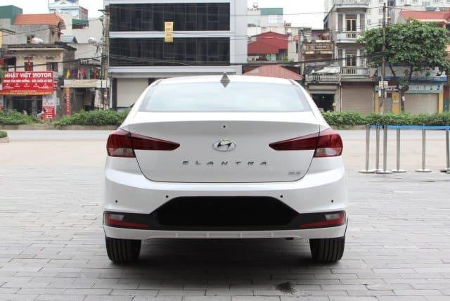 Cốp sau Hyundai Santafe 2021