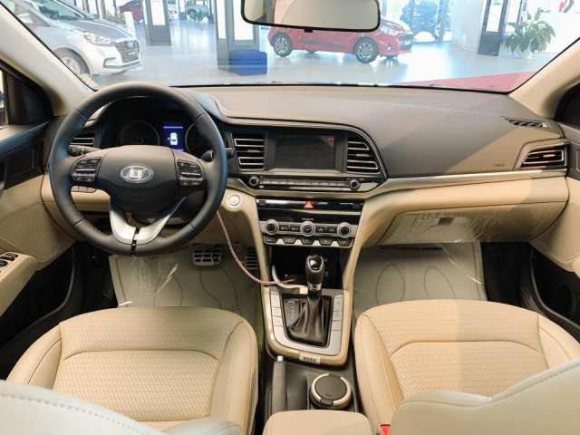 Nội thất Hyundai Elantra 2021