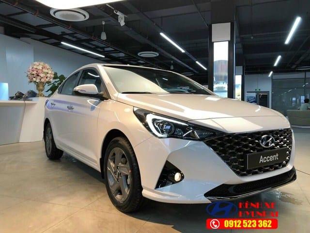 Mũi xe Hyundai Accent
