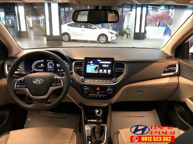 Khoang nội thất Hyundai Accent