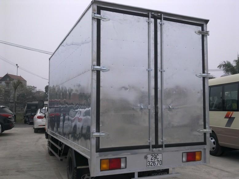 hyundai hd65 thung kin cua container