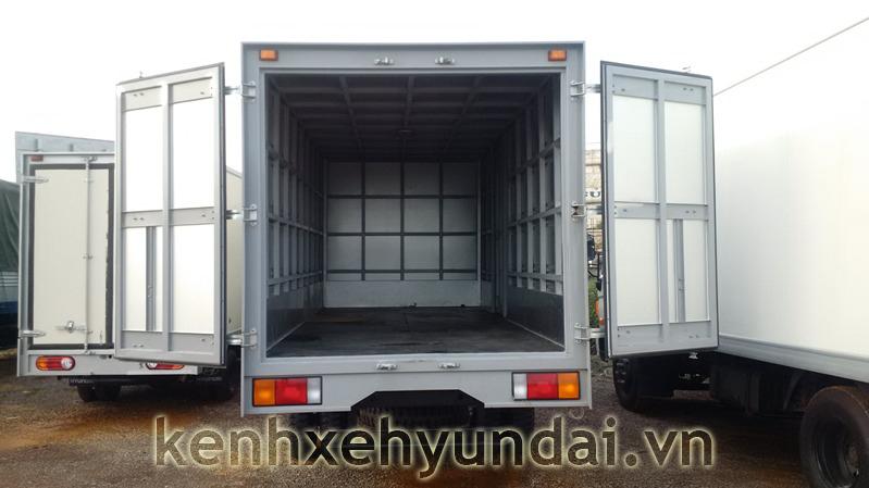 Hyundai HD70 dong vang thung kin 3