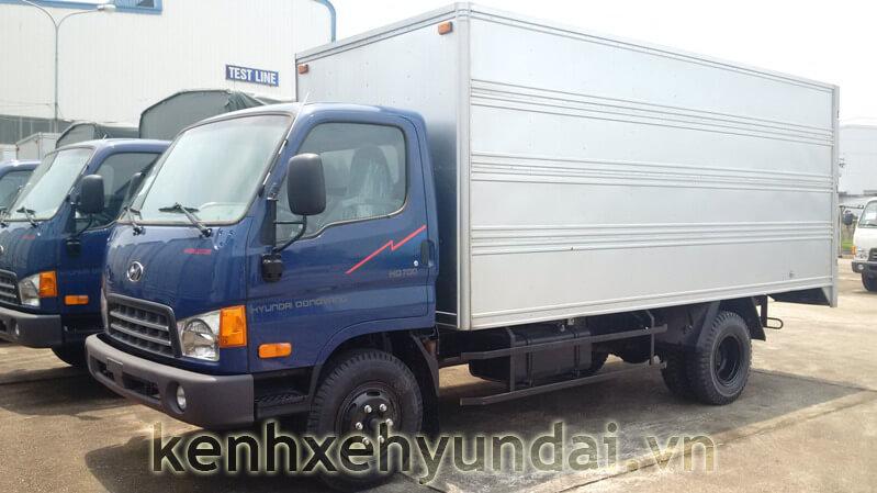 Hyundai HD70 dong vang thung kin