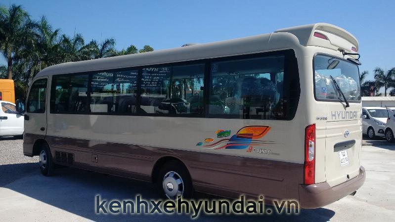 ngoai that hyundai county xl 4
