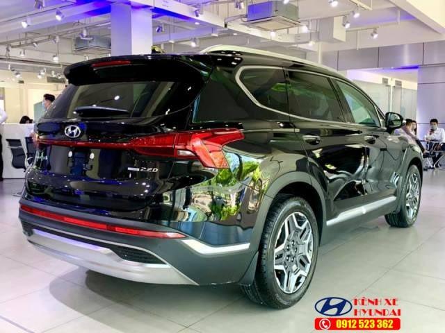 Đuôi xe Hyundai Santafe dầu đặc biệt