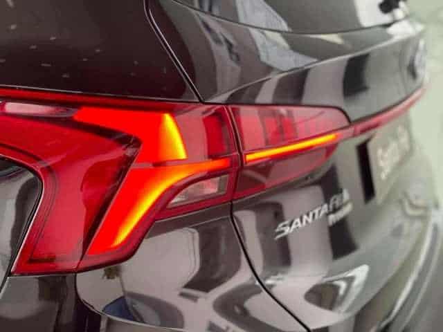 Đèn hậu Hyundai Santafe màu đen