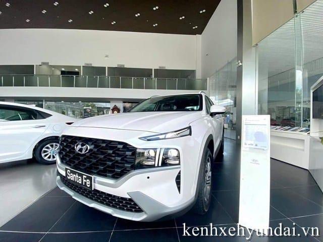 Lưới tản nhiệt và đèn pha Hyundai Santafe Tiêu chuẩn