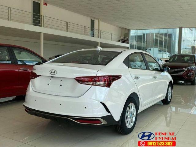 Đèn hậu Hyundai Accent MT bản đủ