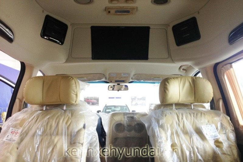 hyundai starex limousine mau trang 8