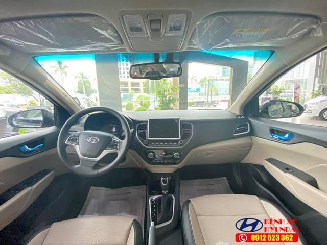 Nội thất Hyundai Accent đặc biệt