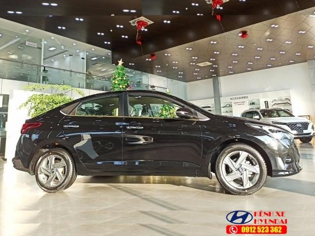 Thân xe Hyundai Accent đặc biệt
