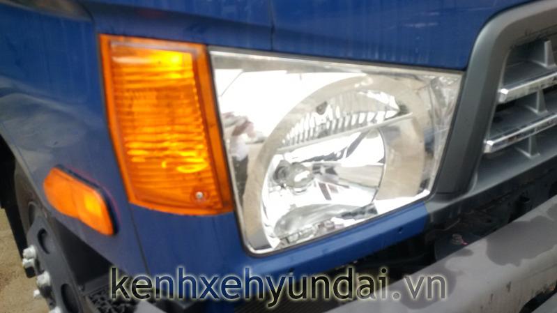 cum-den-truoc-hyundai-hd700-dong-vang