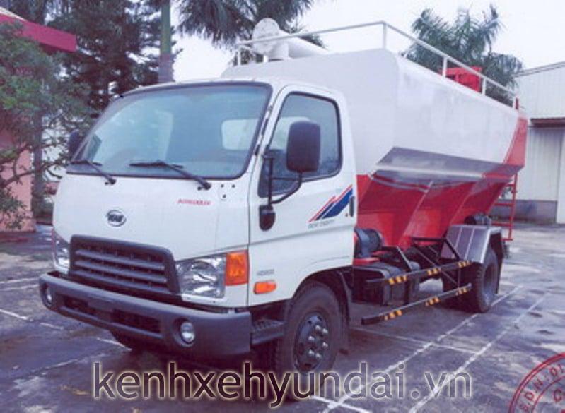 hyundai-hd800-cho-thuc-an-gia-suc-1