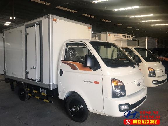 Hyundai New Porter 150 thùng kín Composite