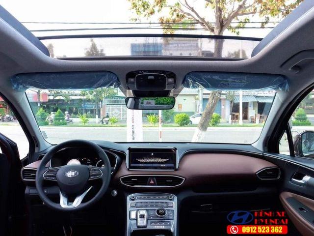 Khoang nội thất Hyundai Santafe xăng cao cấp