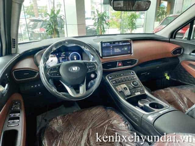 Khoang nội thất Hyundai Santafe màu xanh