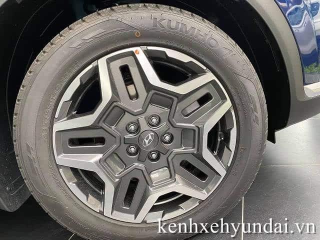 La zăng Hyundai Santafe màu xanh