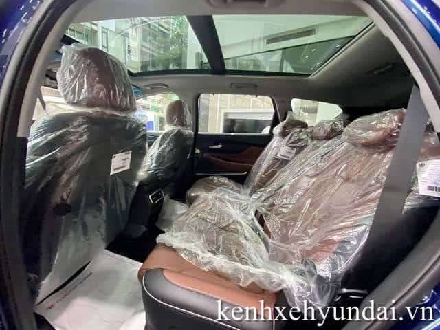 Hàng ghế sau Hyundai Santafe màu xanh