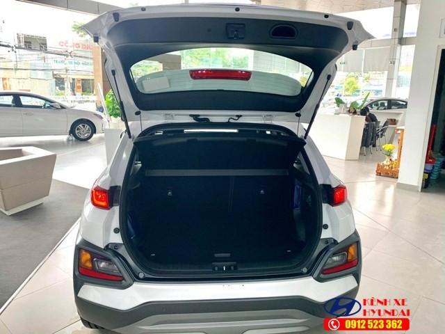 Cốp sau Hyundai Kona Turbo
