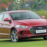 Hyundai Elantra 2.0 AT  hút hàng