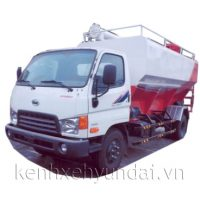 Xe tải Hyundai HD800 Veam 8 tấn chở thức ăn gia súc