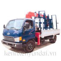 Xe tải Hyundai HD800 Veam 8 tấn chở kính gắn cẩu