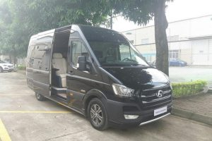 Cận cảnh Hyundai Solati Limousine bán tại Việt Nam