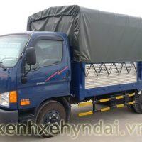 Xe tải Hyundai HD65 hạ tải đi trong thành phố